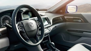 HONDA-Accord_int